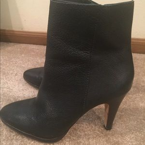 Black leather booties !